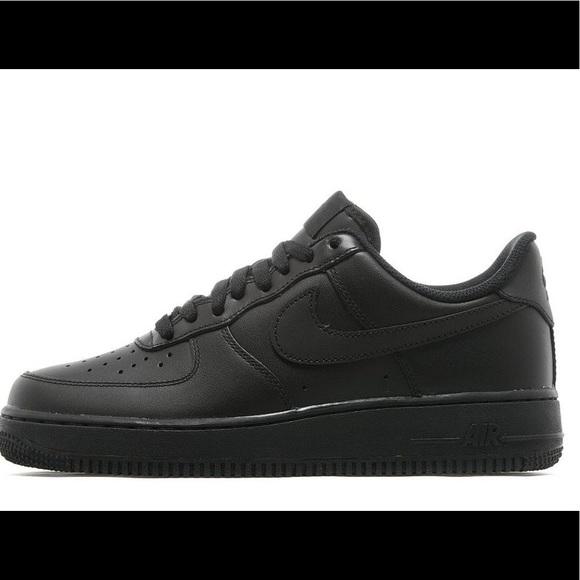 Nike Men Black Air Force One Size 8